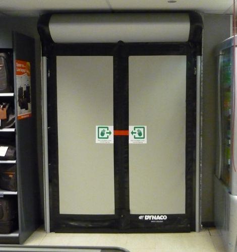 Porte à Enroulement PVC Industrielle Avec Issue De Secours D - Porte de secours