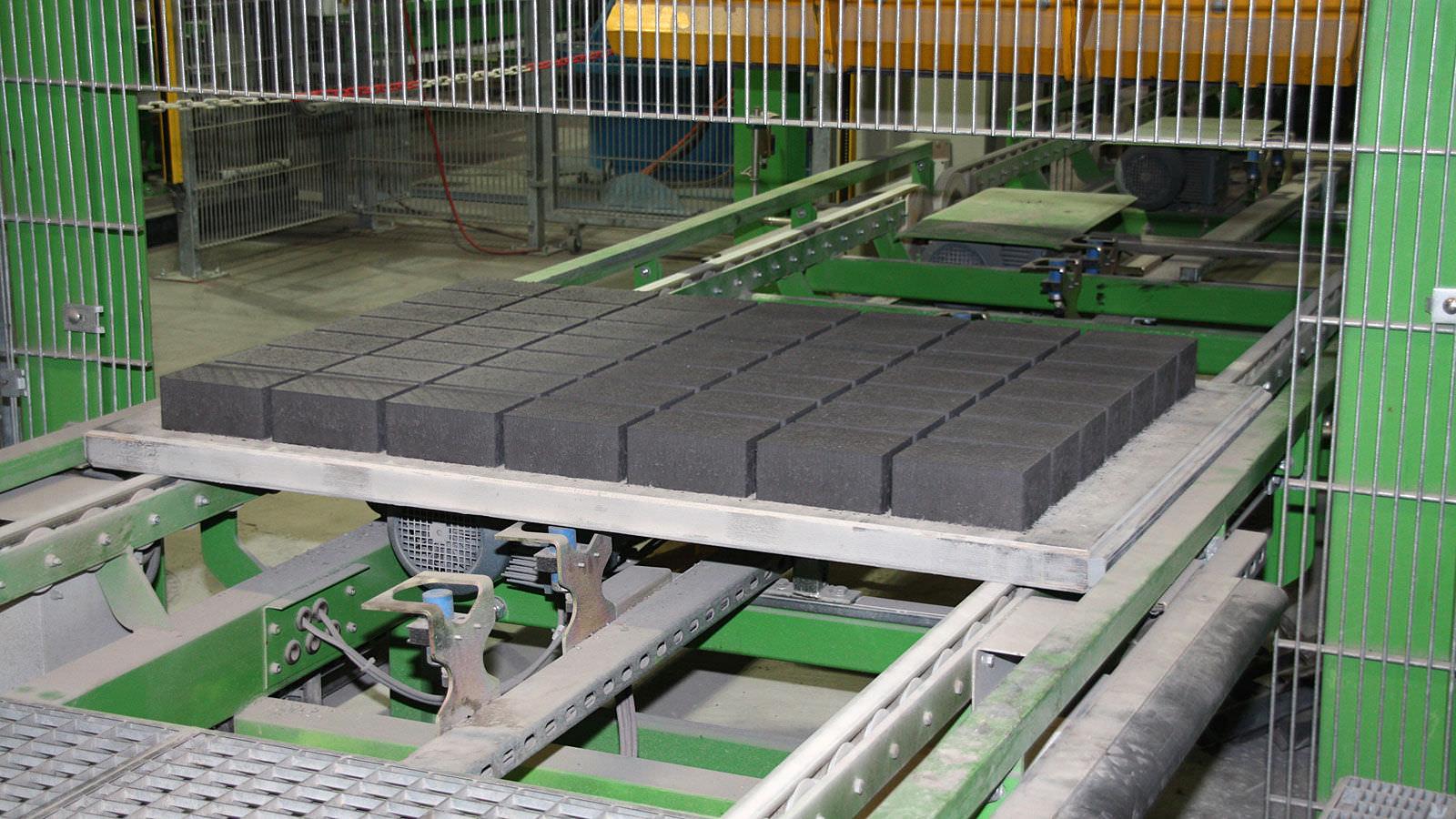 palette en bois / industrielle / pour blocs en béton - pave - peri