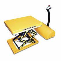 Table élévatrice à ciseaux / électrique