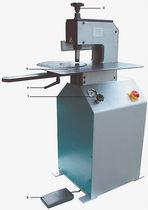 Machine à riveter hydraulique / orbitale