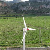 Éolienne à entraînement direct à aimant permanent / sur mât autoporteur / à vitesse variable / basse puissance