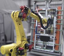 Cellule robotisée d'assemblage / pour vitrage