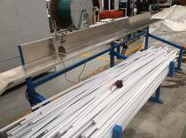 Ligne d'extrusion pour goulotte de câbles / de profilés / pour PVC / double vis