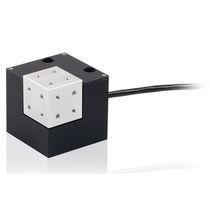 Nano positionneur piézoélectrique / XYZ / avec capteur de position intégré