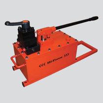 Pompe hydraulique à piston / manuelle / pour grand volume / bi-étagée
