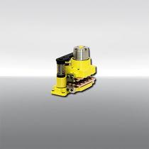 Étrier de frein à disque / serrage à ressort / desserrage hydraulique