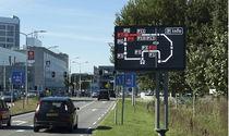 Panneau à message variable de trafic / cantilever