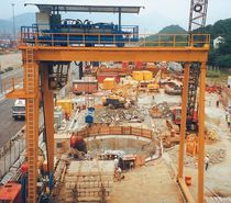 Portique sur rail / pour chantier de préfabriqués