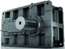 Réducteur à engrenage hélicoïdal / à renvoi d'angle / pour fortes charges / modulaire
