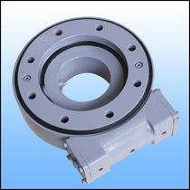 Système d'entraînement rotatif pour traqueur solaire / à couronne d'orientation / à vis sans fin / étanche à la poussière