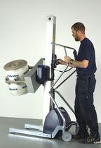 Appareil de levage pour rouleaux / pour enrouleur / avec prise / sur batterie