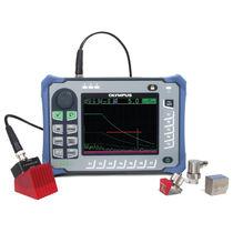 Détecteur de défauts par ultrasons / portable