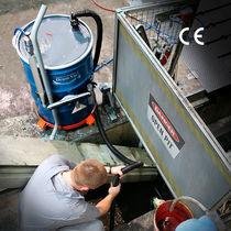 Aspirateur eau et poussière / monophasé / industriel / mobile