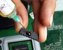 Colle époxy / monocomposant / conductrice thermique / électriquement isolante