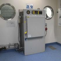 Autoclave de laboratoire / traversant à double porte / à chargement frontal
