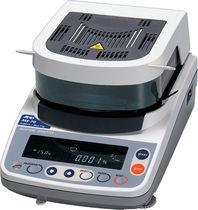 Analyseur de sodium / d'humidité / benchtop