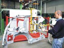 Manipulateur pneumatique / de positionnement / pour pièces de carrosserie