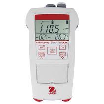 Conductimètre portable / avec afficheur LCD / avec compensation de température automatique