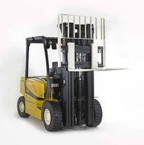 Chariot élévateur électrique / à conducteur porté assis / pour usage extérieur / pour l'industrie automobile