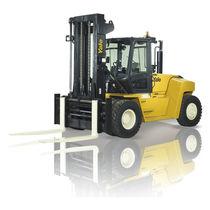 Chariot élévateur à moteur thermique / à conducteur porté assis / pour l'industrie du bois / de manutention