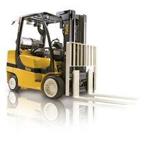 Chariot élévateur GPL / à conducteur porté assis / pour entrepôts / de manutention