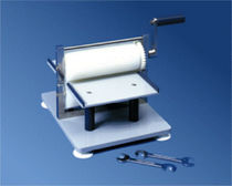 Presse électrique / de laminage / pour film d'aluminium / à rouleaux
