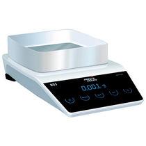 Balance de laboratoire / compteuse / numérique / avec calibration interne