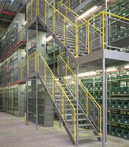 Mezzanine industrielle multi-étages / pour palettes