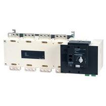 Interrupteur-sectionneur automatique / basse tension / pour applications photovoltaïques / monté sur jeu de barres