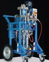 Unité de pulvérisation de peinture bi-composant / pneumatique / hydraulique
