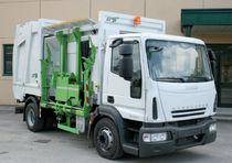Benne à ordures ménagères chargement latéral
