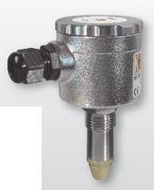 Détecteur de niveau à micro-ondes / pour liquide / fileté