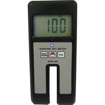 Instrument de mesure de teinte / pour fenêtre