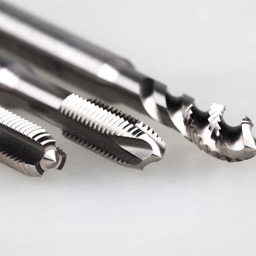 taraud monobloc / HSS / pour acier / pour maintenance