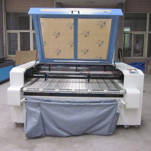 machine de découpe pour tissus / pour caoutchouc / pour PMMA / pour bois