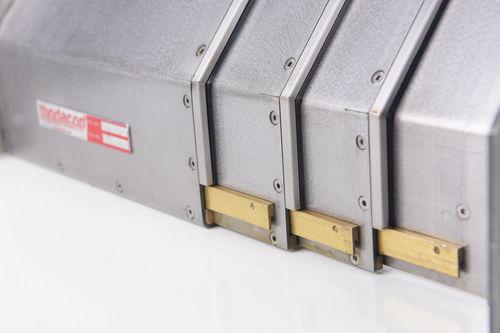 protecteur télescopique pour machine-outil / en acier / étanche / pour centre d'usinage