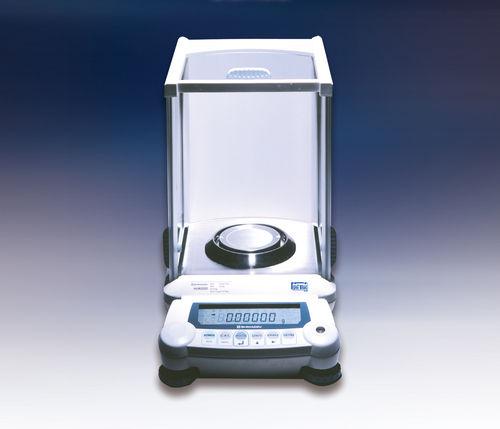 Balance semi-micro / avec afficheur LCD AUW-D Series Shimadzu Europa