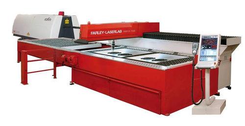 machine de découpe d'acier inoxydable - Farley Laserlab