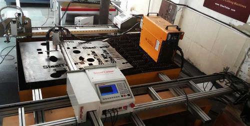 Machine de découpe de métal / plasma / CNC / pour tôle fine 100i SteelTailor