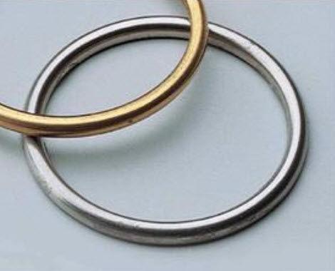 joint d'étanchéité à ressort / profilé / C-ring / en métal