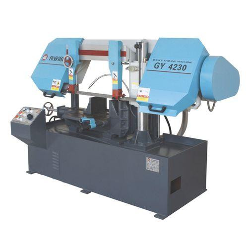 Scie à ruban / pour tuyaux / avec système de refroidissement / avec convoyeur à rouleaux CE 300Hx500W GY4230 Zhejiang Weiye Sawing Machine Co., Ltd