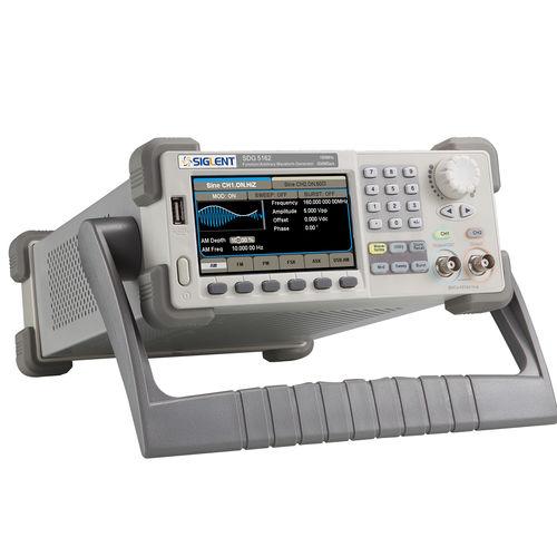 Générateur de fonctions / de forme d'onde arbitraire / à double canal / numérique 160 MHz, 512Kpts, 500MSa/s, EasyPulse | SDG 5000 Series Siglent Technologies Co., Ltd