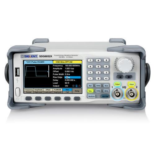 générateur de forme d'onde arbitraire / d'impulsions / de signal carré / de bruit