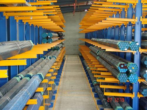 rayonnage entrepôt de stockage / cantilever / pour charges longues / mi-lourd
