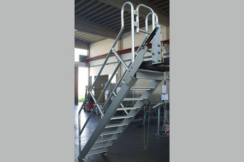 échelle en acier inoxydable / en acier au carbone / mobile / pour entrepôts