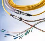 assemblage de câbles de transmission de données / à fibre optique / flexible