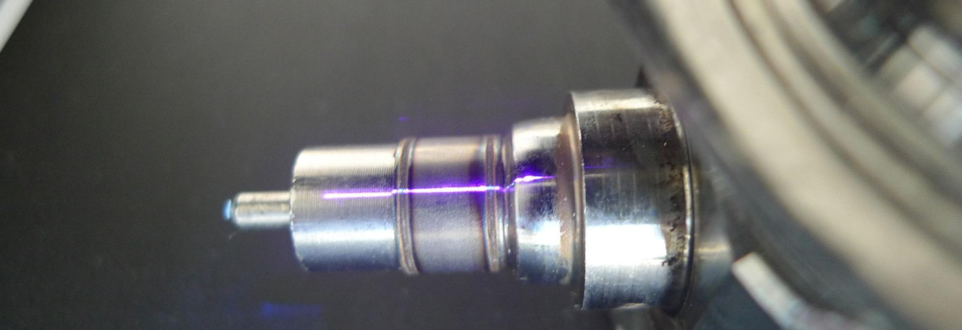 Couture de soudure de laser sur le corps de valve de pompe à essence