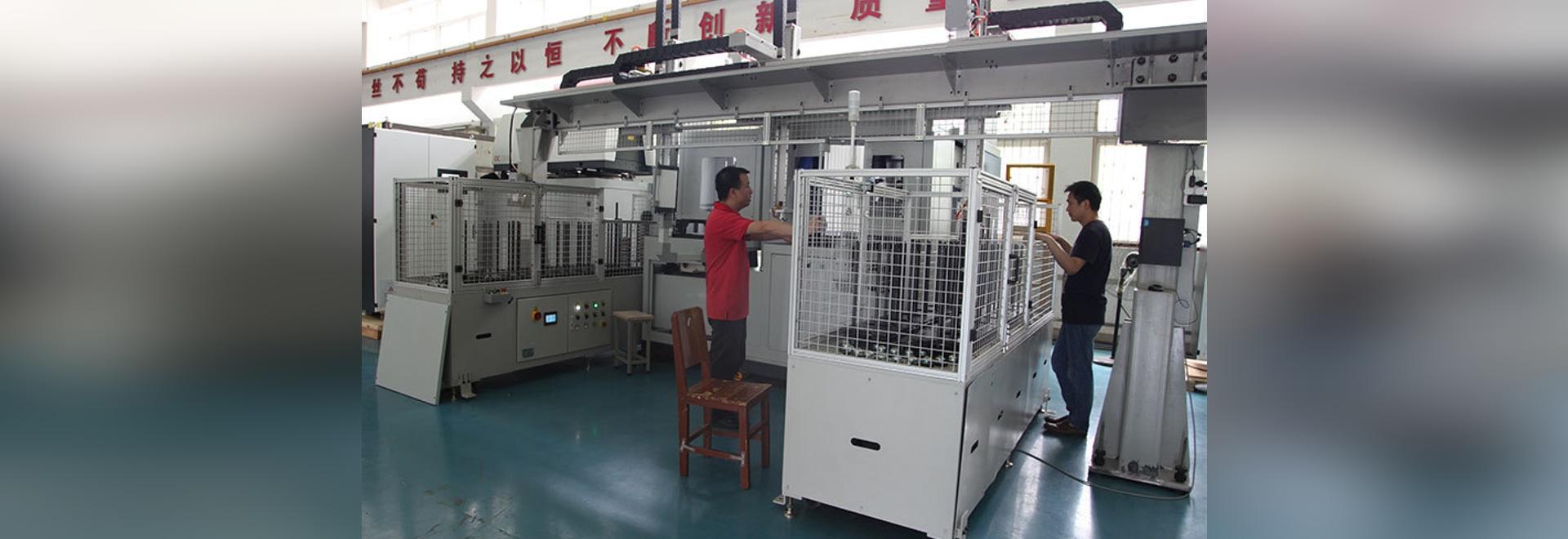 L'équipement automatique de soudure laser de vitesse de HANS GS-HC03 a livré sans à-coup