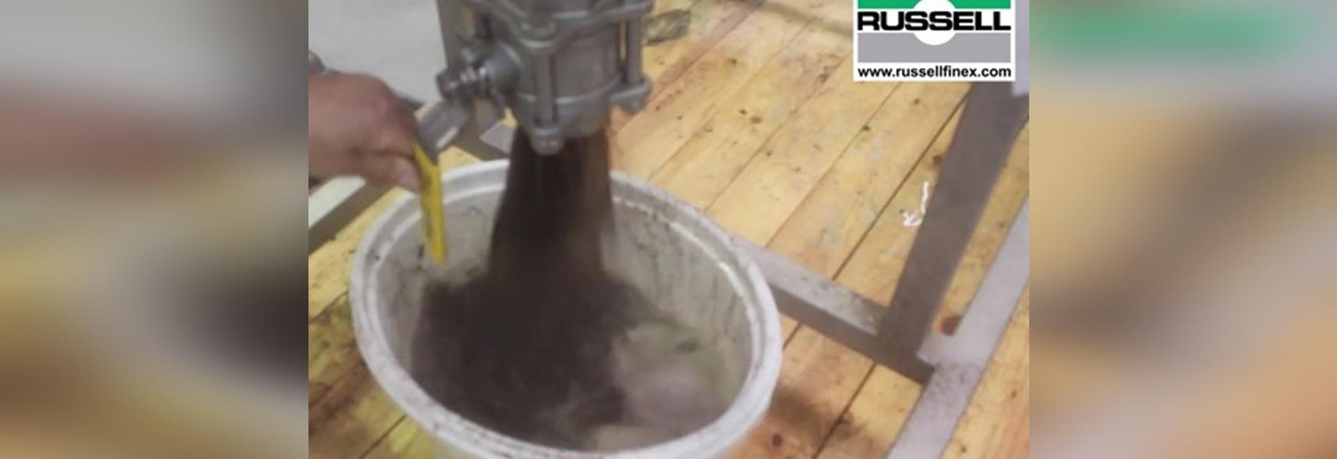 Filtre intégré pour le thé liquide