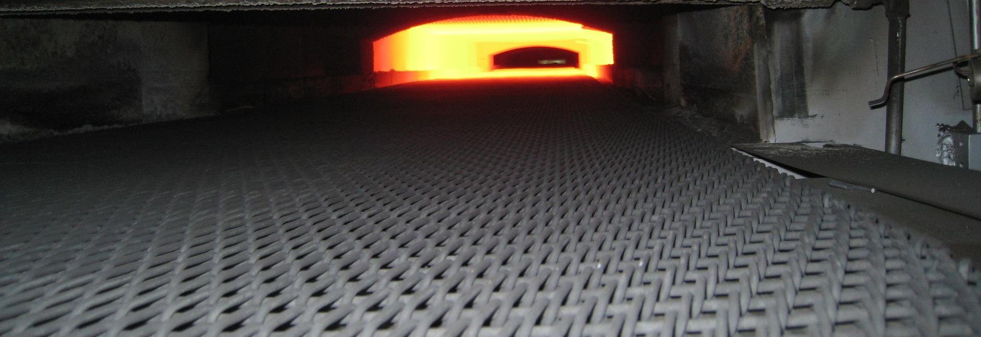 Four de traitement thermique
